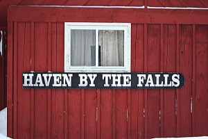 Lodging Review Haven by the Falls, Mercer, Wisconsin 001